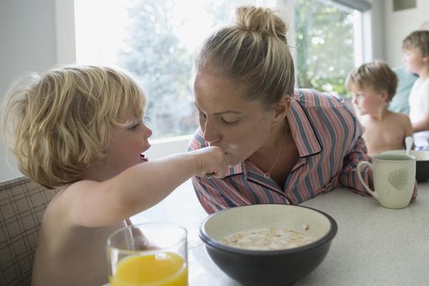 Фото №1 - Правильные установки: 6 советов, как воспитать малыша добрым