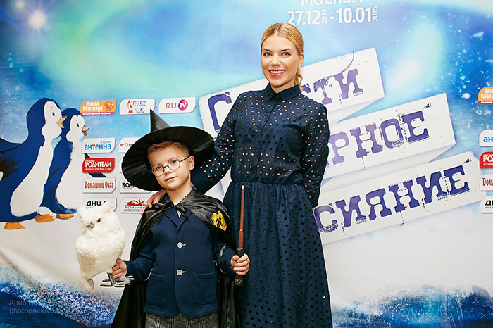 Фото №4 - Мария Киселева с успехом показала премьеру новогоднего шоу на воде