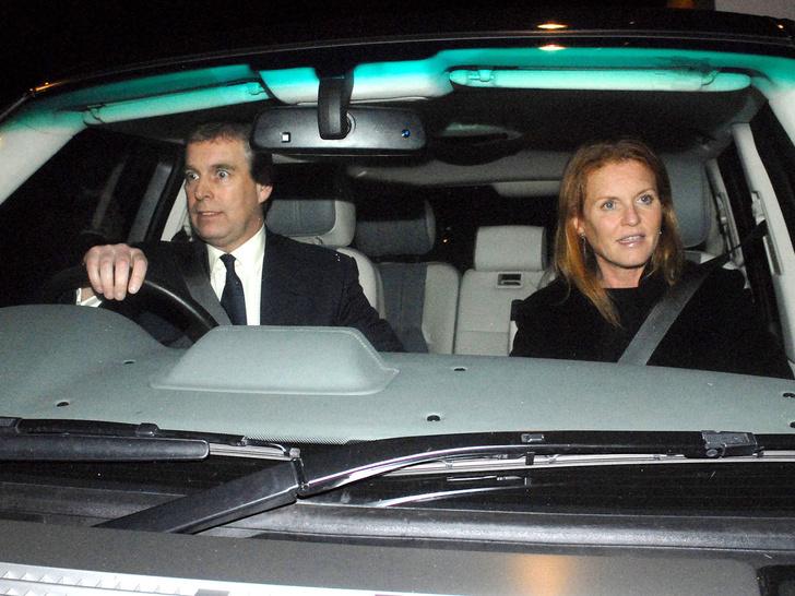 Фото №2 - Тонкий расчет: как повторная свадьба с Сарой Фергюсон поможет принцу Эндрю избежать правосудия
