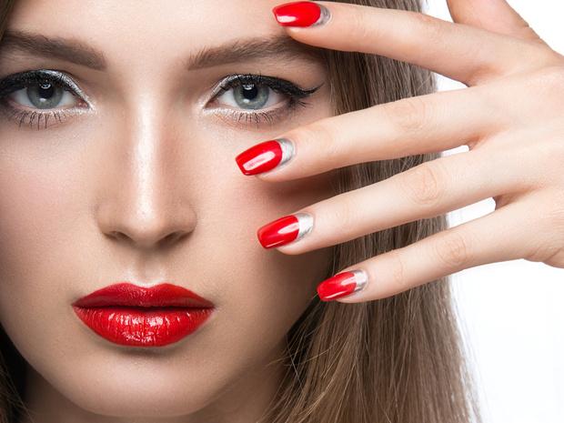 Фото №4 - 7 приемов, как сделать ногти визуально длиннее и красивее