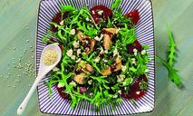 Свекольный салат с горбушей