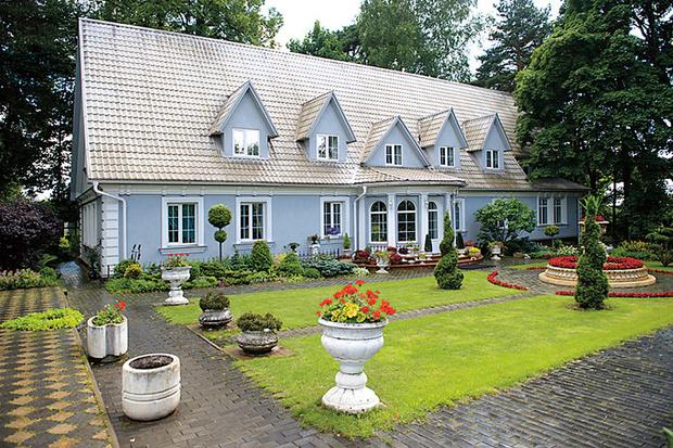 Фото №1 - Телеведущая Ольга Платонова показала свой загородный дом