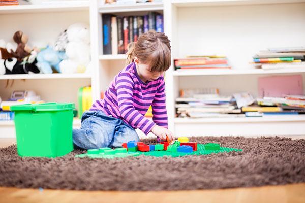 Фото №1 - Как научить ребенка играть самостоятельно