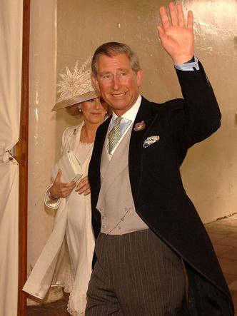 Фото №3 - Почему принц Чарльз запретил дарить свадебные подарки себе и Камилле