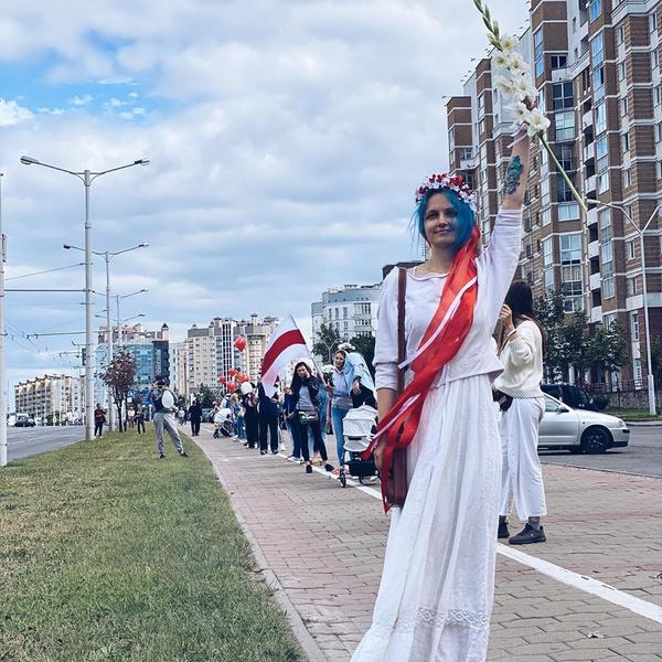 Фото №18 - Самый красивый протест в мире: истории белорусских женщин, восставших против ОМОНа