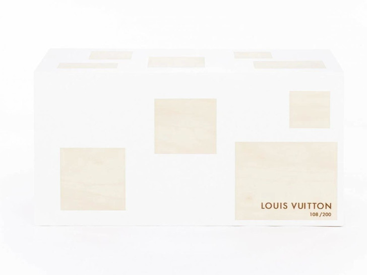Фото №3 - Дизайнерские версии культового сундука Louis Vuitton