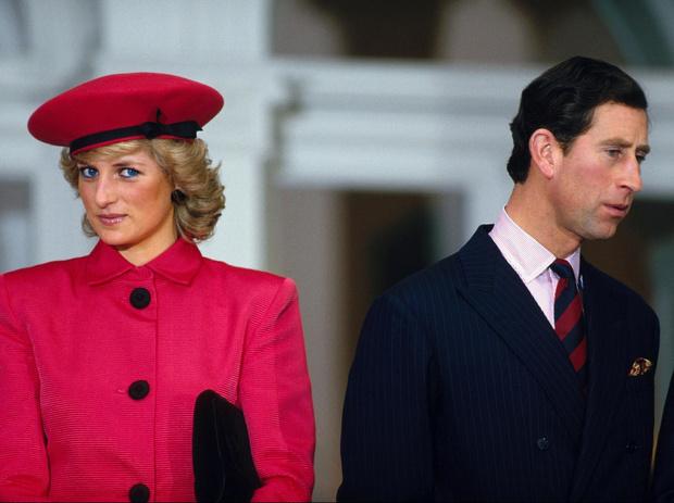 Фото №3 - Мужская месть: что Чарльз хотел забрать у Дианы после развода (и ему это удалось)