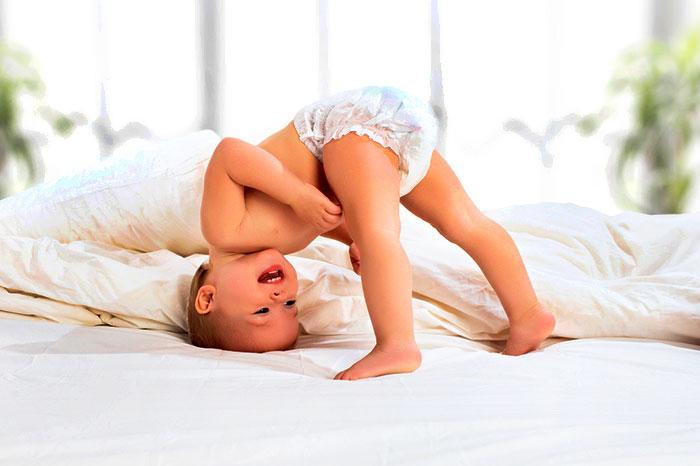 Фото №1 - Ребенок-жаворонок: как поспать с утра подольше