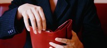 «Родственники постоянно требуют у меня денег»