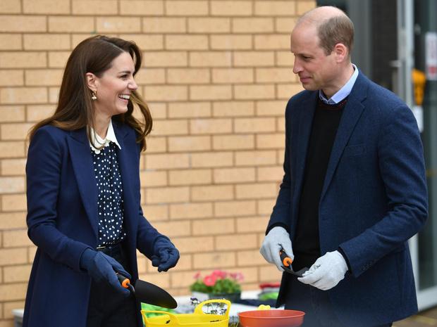 Фото №2 - «Горячий принц»: почему все обсуждают новое фото Уильяма (и поздравляют Кейт)