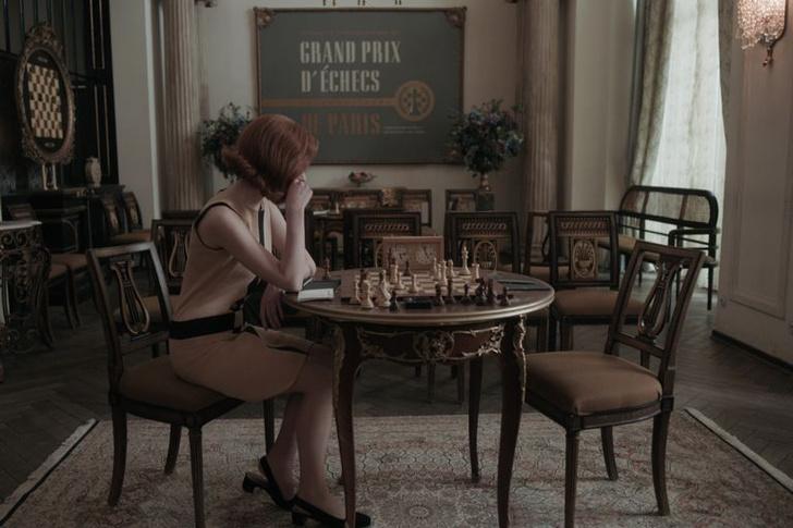 Фото №4 - Кино на выходных: сериал «Ход королевы»