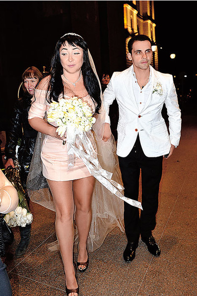 СМИ: «Муж Лолиты содержал любовницу за счет певицы»