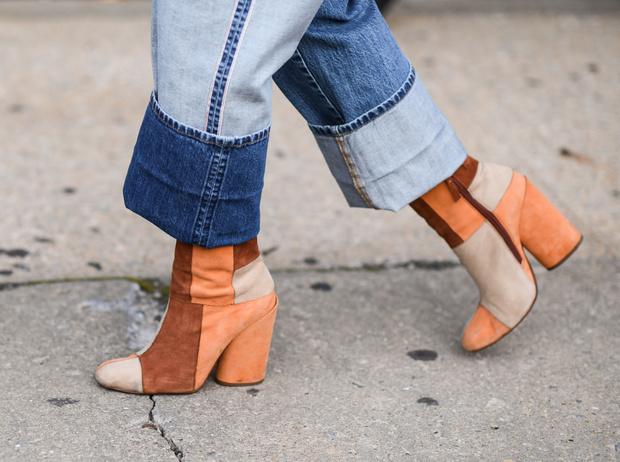 Фото №1 - Как ухаживать за замшевой обувью: 3 главных совета