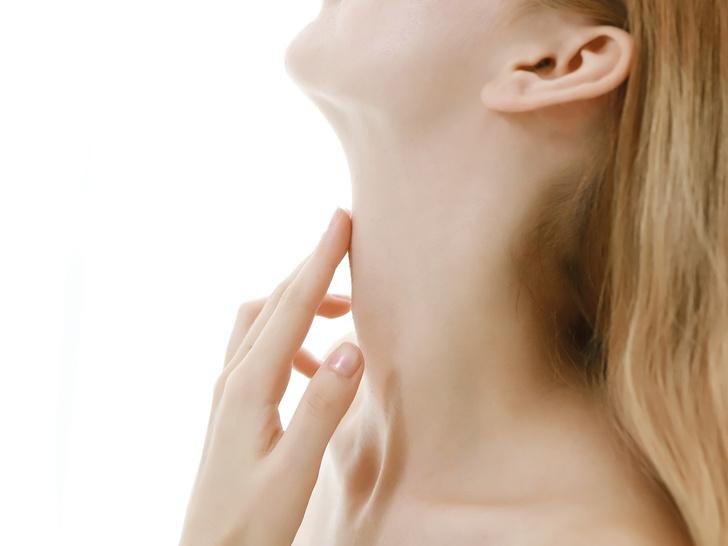Кольца Венеры»: как избавиться от морщин и складок на шее | Marie Claire