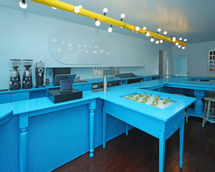 Фото №5 - Голубое кафе Tipico Coffee в Буффало