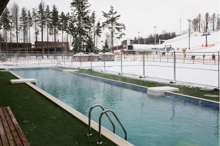 Фото №2 - 5 бассейнов под открытым небом, которые работают даже зимой