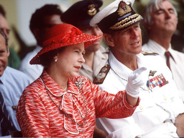 Фото №1 - Семейный кризис: сколько раз Королева думала о разводе с принцем Филиппом (вы удивитесь)