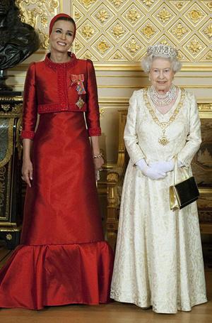 Фото №8 - Великолепная шейха Моза: как дочь мятежника стала «королевой сердец» Востока и иконой стиля