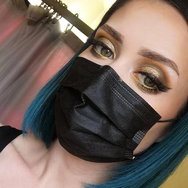 Фото №4 - Выпускной 2021: какой сделать макияж, чтобы даже в маске выглядеть классно