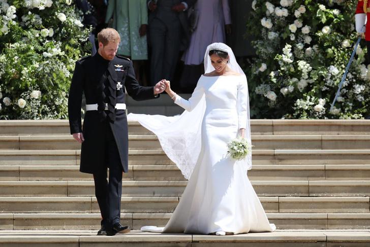 Фото №6 - Свадебная мода по-королевски: 5 знаменитых платьев