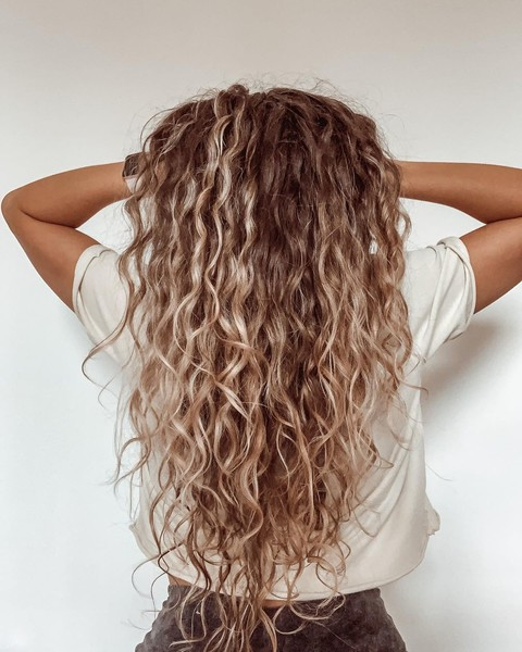 Фото №7 - Летний уход за волосами: 8 важных правил