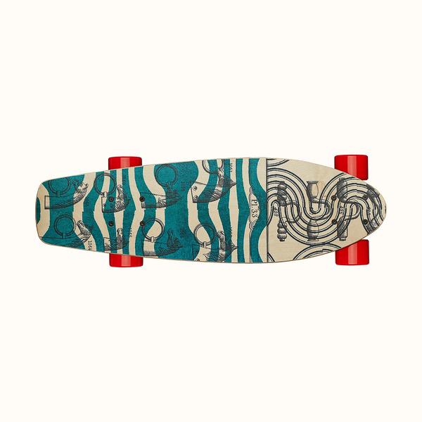 Фото №3 - Эффектный трюк: сумка-скейтборд от Hermès