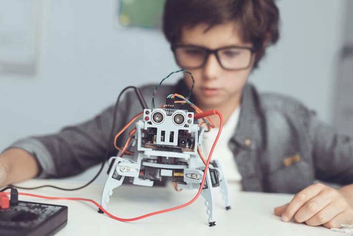 Фото №2 - Вкалывают роботы: что важно знать о роботехнике