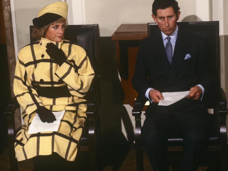 Фото №2 - Кошмар принцессы: чем принц Филипп угрожал Диане после выхода ее скандальной биографии