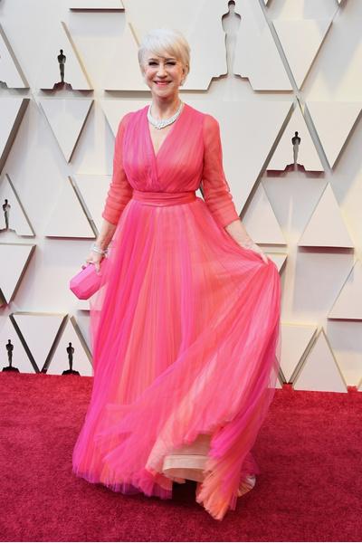 Фото №1 - Модные гостьи «Оскара-2019» сделали ставку на самый стильный цвет — розовый