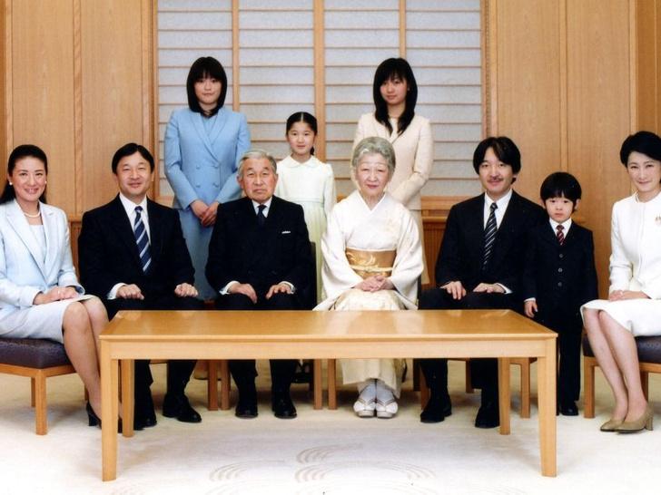 Фото №5 - Особая монархия: 6 самых странных правил японского королевского протокола