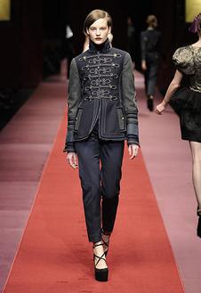 Фото №1 - Показ D&G на Неделе Моды в Милане