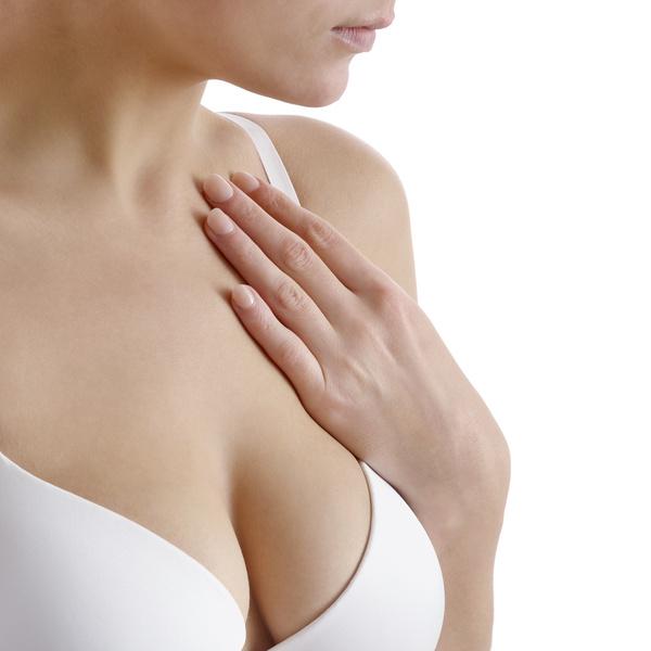Фото №2 - Принять на грудь: зачем нужны патчи и маски для бюста