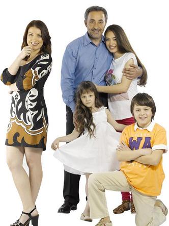 Фото №6 - Не только «Черная любовь»: лучшие турецкие сериалы с Неслихан Атагюль
