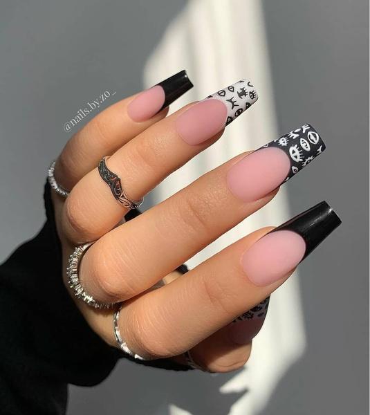 Фото №18 - Позалипать и вдохновиться: 45 крутых идей маникюра для длинных ногтей 💅