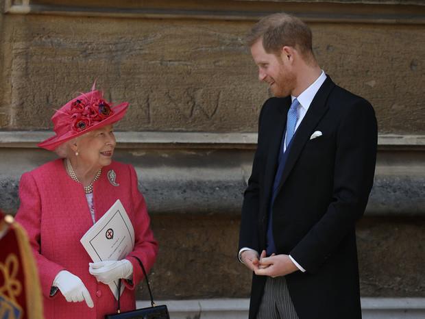 Фото №2 - Меган Маркл и принц Гарри предложили королеве новую сделку