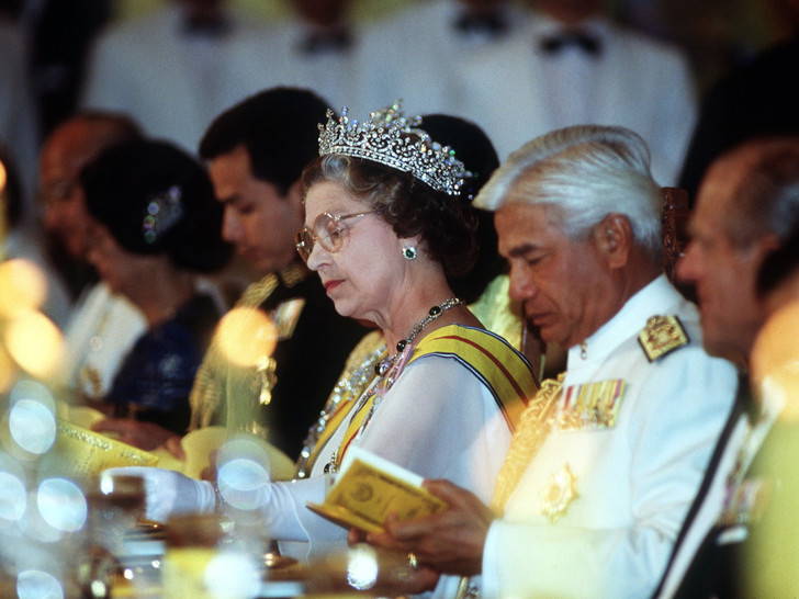 Фото №2 - Причуды королей: самая необычная пищевая привычка Елизаветы
