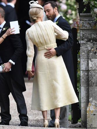 Фото №11 - Конфузы на королевских свадьбах: звездные гости, которые нарушили протокол