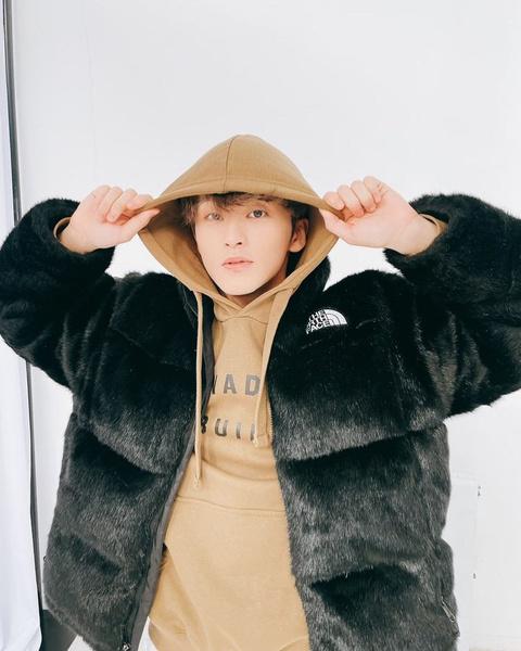 Фото №11 - Ура! Тэён из NCT наконец-то завел личный Инстаграм 🤩