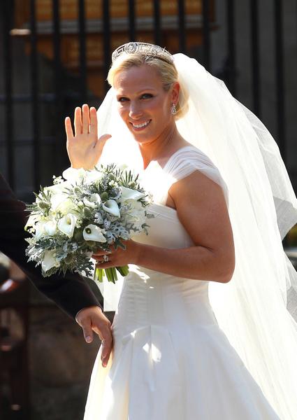 Фото №25 - Самые знаменитые свадебные платья Виндзоров: неудачные, смелые и даже бодипозитивные