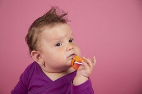 Как отучить ребенка от соски