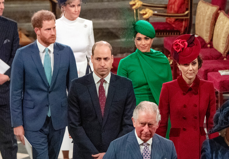 Фото №3 - Новые подробности: за что Уильям «выселил» Меган и Гарри из Кенсингтонского дворца
