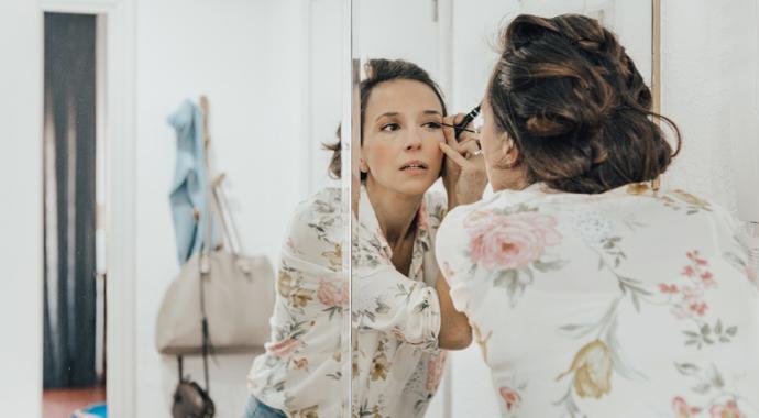 Законы привлекательности: нужен ли дома макияж
