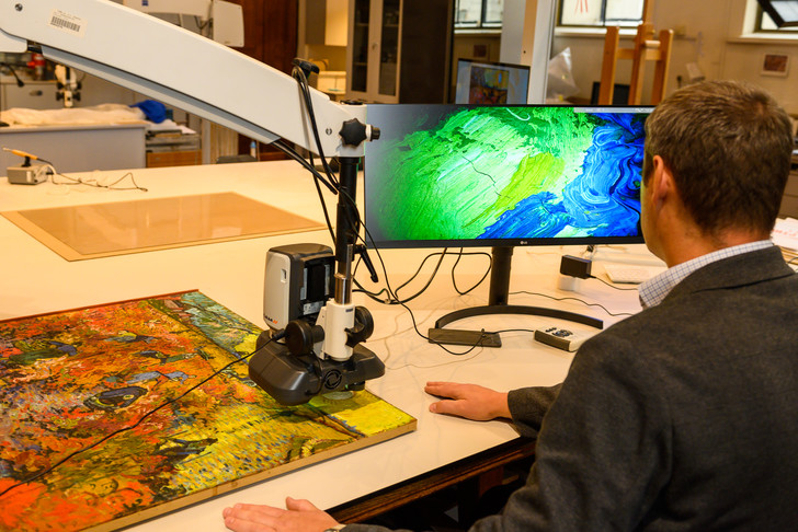 Фото №2 - Картину Ван Гога отреставрируют при поддержке LG SIGNATURE