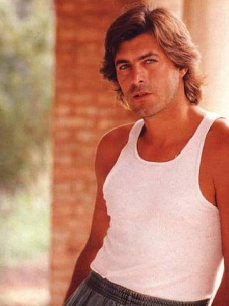 Фото №9 - Как сейчас выглядят герои-любовники культовых латиноамериканских сериалов 1990-х