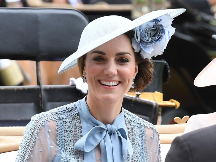 Фото №7 - Улыбчивая герцогиня: 10 самых веселых моментов Кейт за всю ее королевскую жизнь