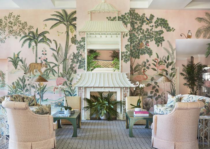 Фото №3 - Обои de Gournay в обновленном отеле Colony во Флориде