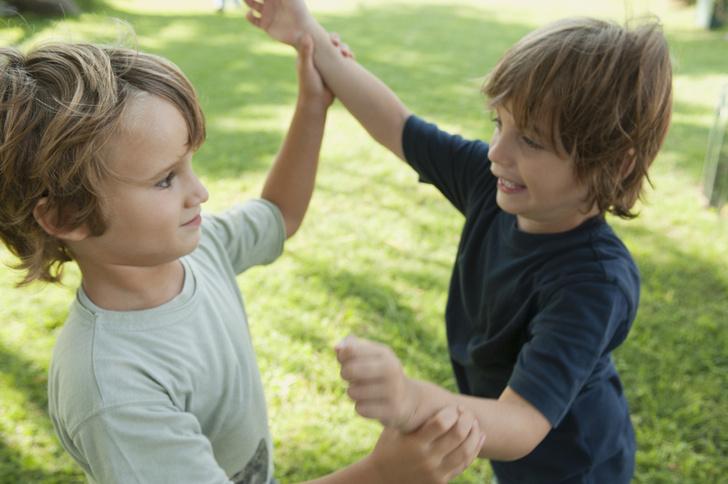 Ребенок дерется что делать, детская агрессия и ее причины