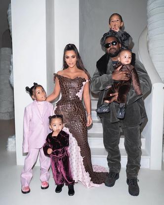 Фото №2 - В тренде с пеленок: как одеваются дети голливудских звезд— Шейк, Дженнер и других
