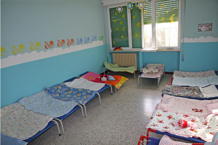 Фото №1 - «Ужасно для России, а для Запада роскошь»: как спят в детских садах за границей