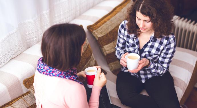 «Не простила мать и не хочу за ней ухаживать»: история двух сестер